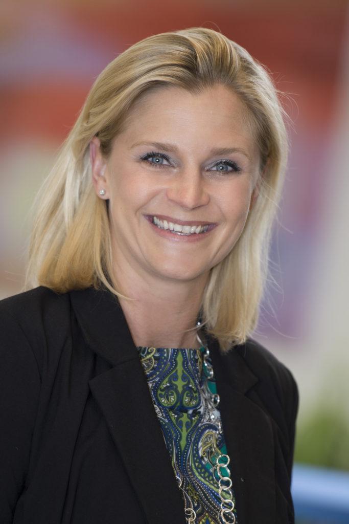 Dr. Karina Ofner